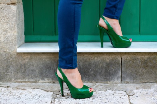 Are skinny jeans dangerous to your health?