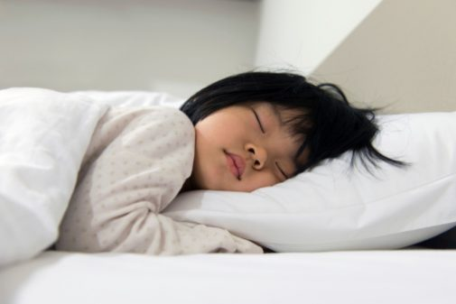 Can early bedtimes for kids prevent weight gain later?